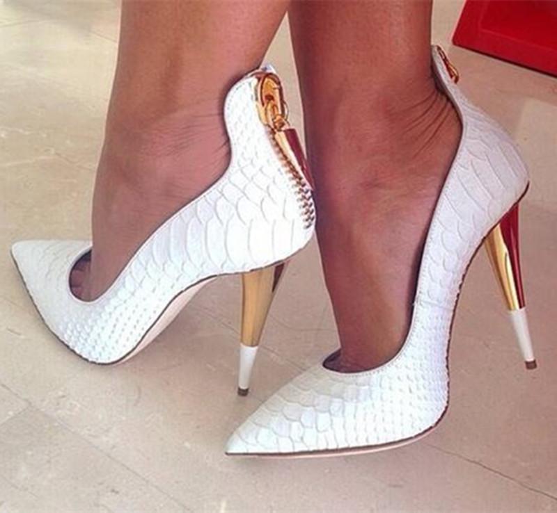 Фото черных модных туфель